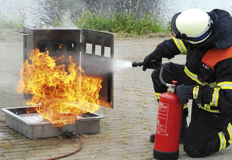 Externe Brandschutzbeauftragte - Ausbildung von Brandschutz- und Evakuierungshelfern - Umgang mit dem Feuerlöscher